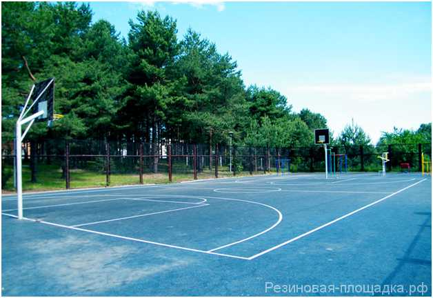 Баскетбольная площадка на даче